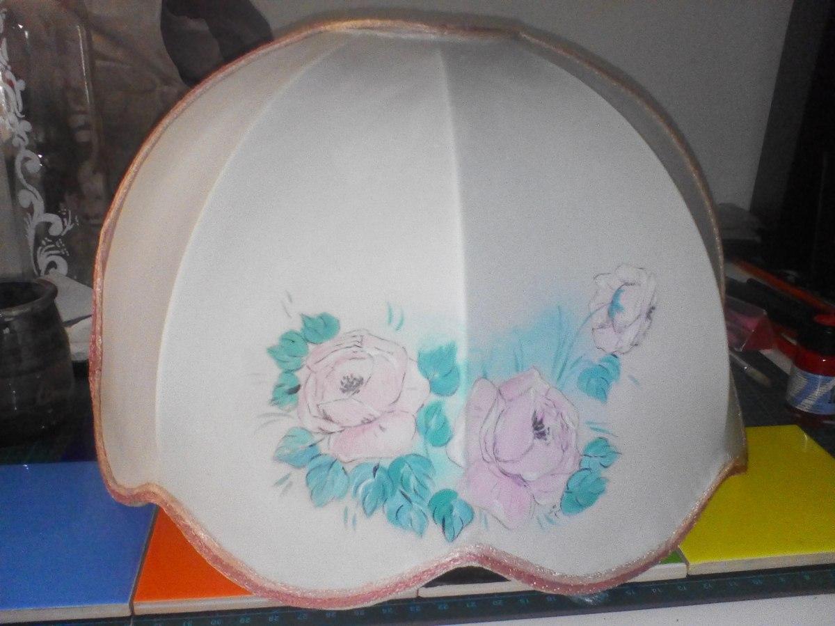 alt=paalume alt=decorazione floreale su tessuto